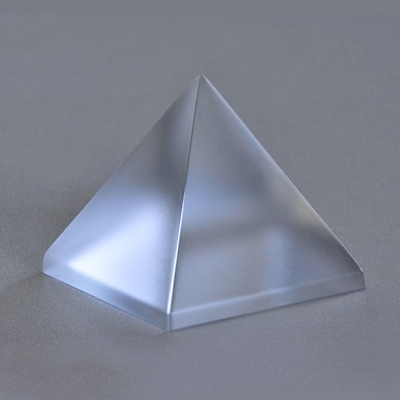 Pyramida lisovaná matná